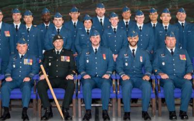 Graduation du cours d'Officier du génie des communications et électronique (Air) BCOC 0006